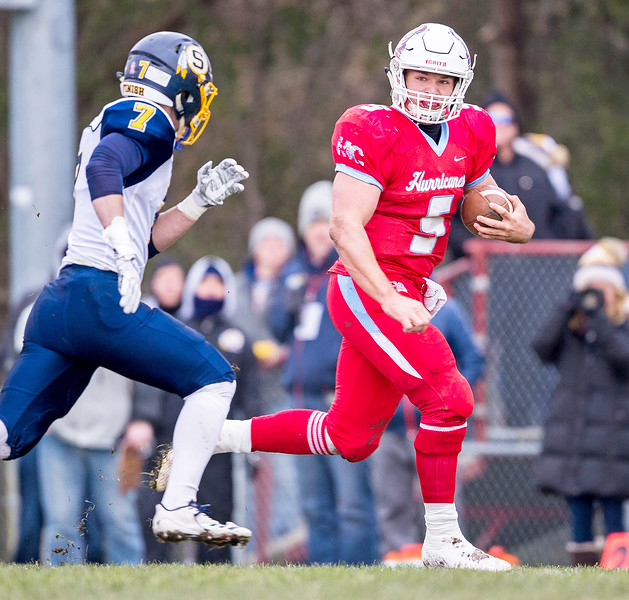 Marian Central Catholic senior Gavin Scott takes the ball outside early in the first quarter of the Class 5A state quarterfinal game against Sterling Saturday, November 11, 2017 in Woodstock. The Hurricanes come up short falling to Sterling 22-10. KKoontz- For Shaw Media
