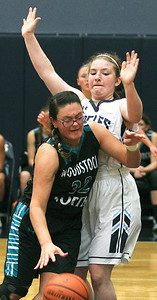 hspts_thu1116_gbball_woodn_wa_Saldana