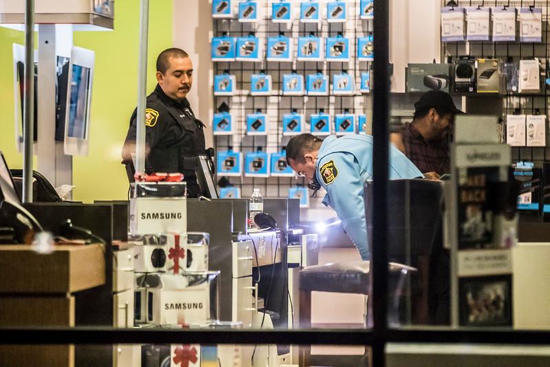 hnews_fri1201_Robbery_01.jpg
