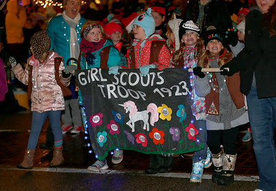 CrystalLake_Festival_of_Lights_Parade_p9