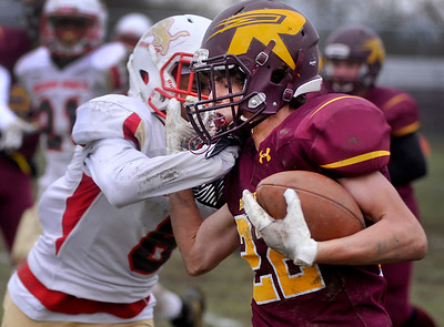 11022019-SM-RICHMOND_BURTON_FBALL-