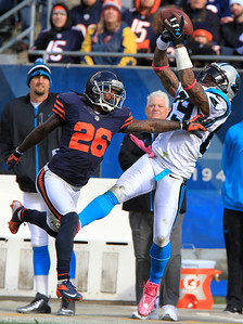 H. Rick Bamman - hbamman@shawmedia.com Carolina's Steve Smith cathes a Cam Newton pass over Chicago's Tim Jennings for a 47 yard gain and a first down in the first half Sunday, October 28, 2012.