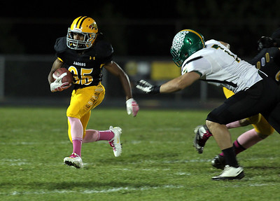H. Rick Bamman - hbamman@shawmedia.com Jacobs Joe Gonzalez returns a kick up field.