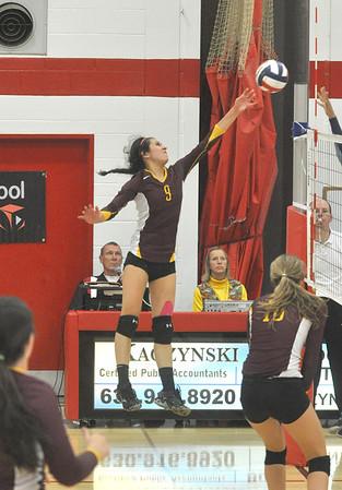 Nazareth vs. Montini girls volleyball