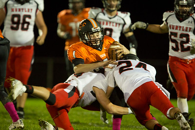 hspts_sat1008_fball_Hunt_clc_staples, jacob1.jpg