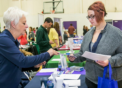 hnews_sat1022_Job_Fair_03.jpg