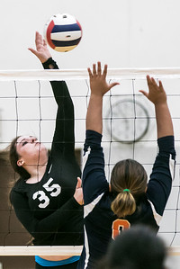 hspts_tue1025_vball_WOODN_4.jpg