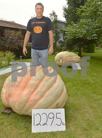 Greg Sliwka of Woodridge giant pumpkins