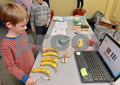 lnews-Gallery-STEMFair01-1026-LSL