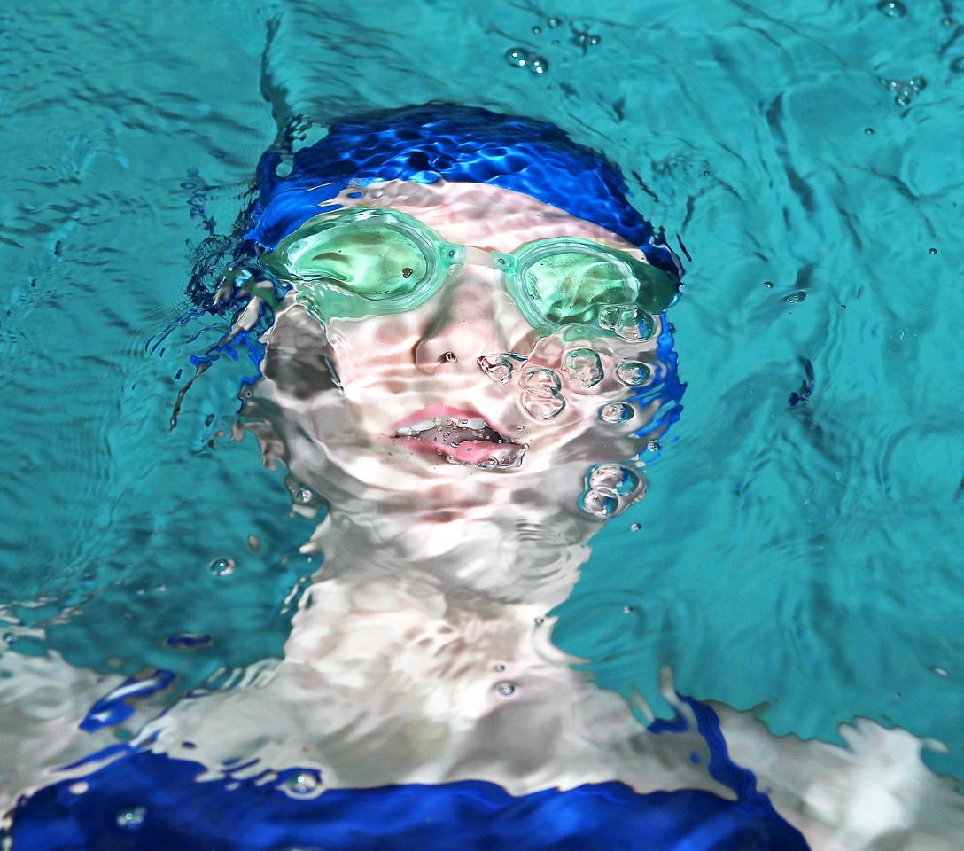 hnews_adv_makayla_swim_COVER