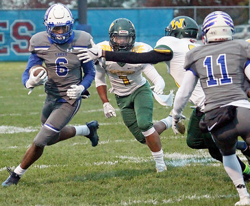 LCJ_1102_Lakes_FootballA