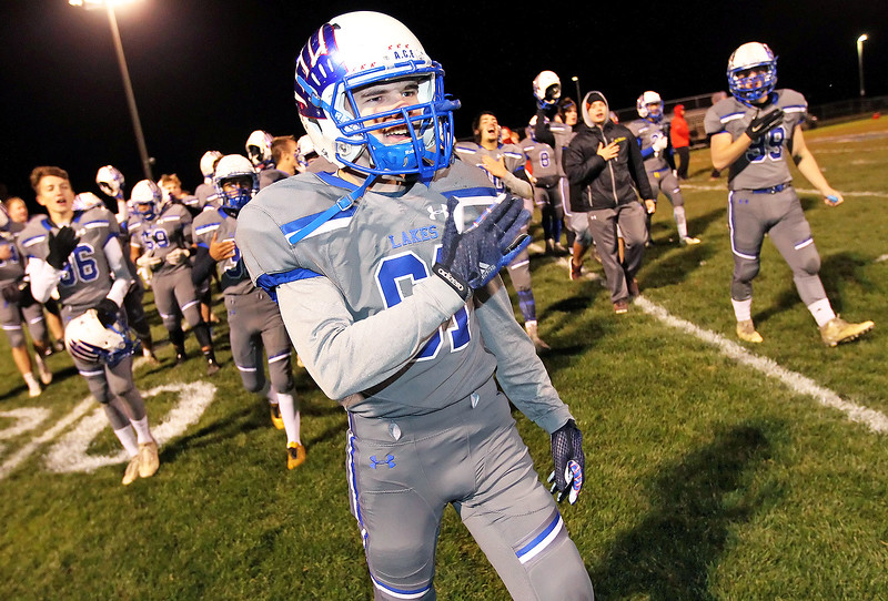 LCJ_1102_Lakes_FootballJ