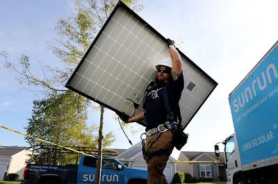hnews_1009_Solar_Panels
