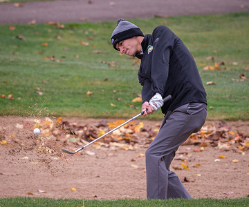 Crystal Lake South golfer Ricky Falbohits out of a bunker on the ninth hole in the Class 2A Freeport Sectional golf tournament on Monday, Oct. 12, 2020.
