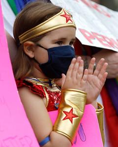 hnews_1002_Womens_Rally