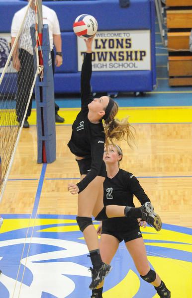 Glenbard West at Lyons Township girls volleyball