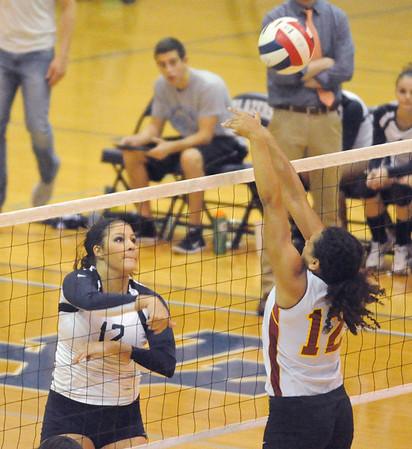 Schaumburg at Addison Trail girls volleyball