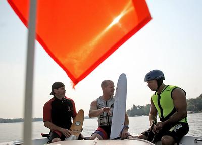 hcomm_adv_boat_ride