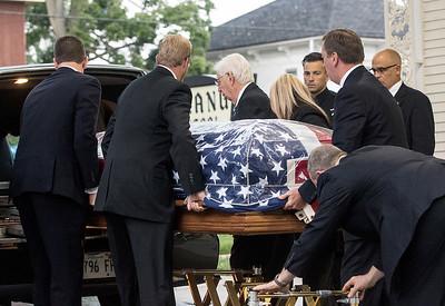 HNEWS_mon0907_Cop_Funeral24.jpg