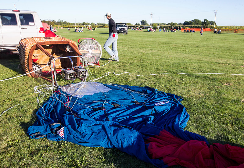 hnews_sat0903_Harvard_Balloon_Fest5.jpg