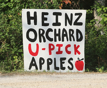 Candace H. Johnson-For Shaw Media A street sign at the Heinz Orchard in Green Oaks.