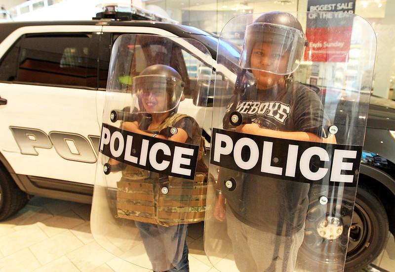 LCJ_0914_VH_Police_ExpoF_COVER