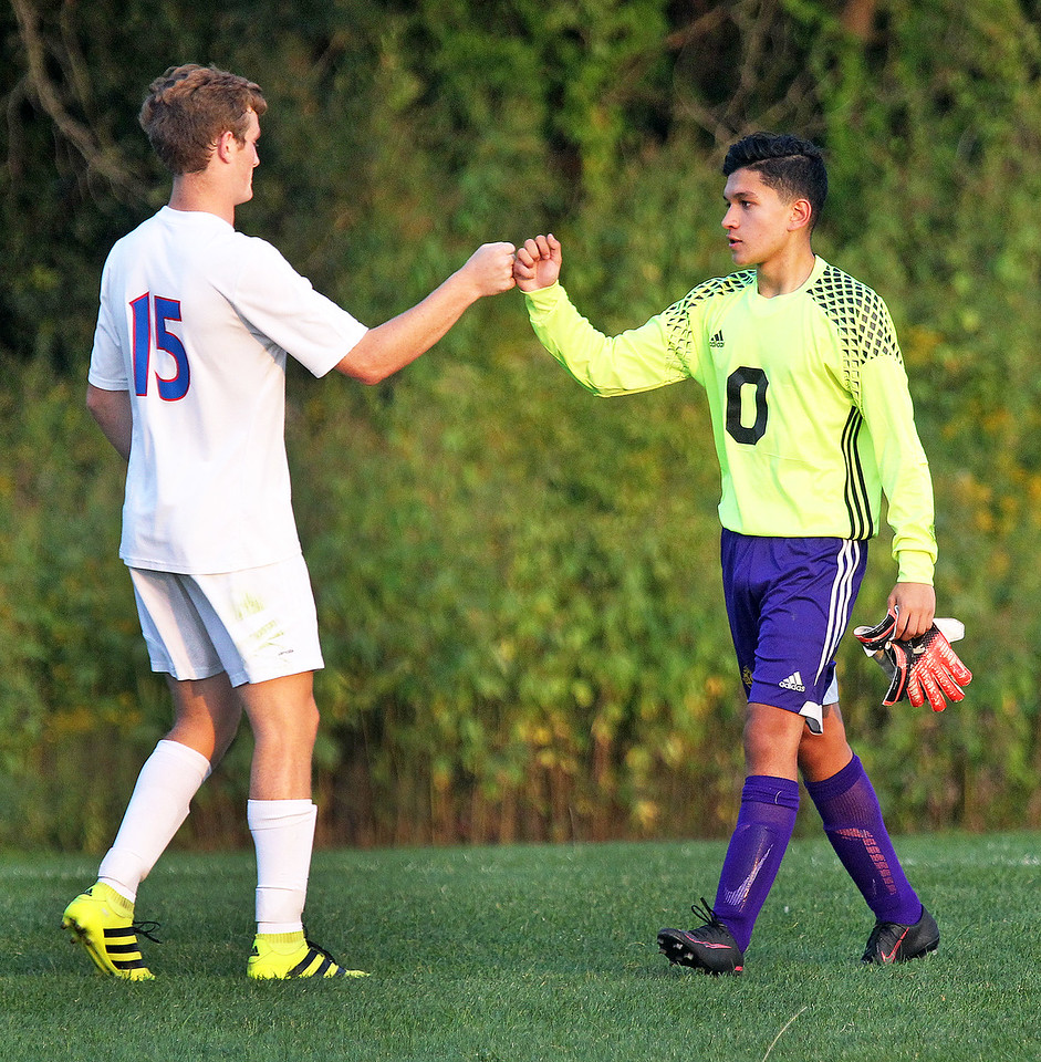 LCJ_0914_Lakes_Boys_SoccerH
