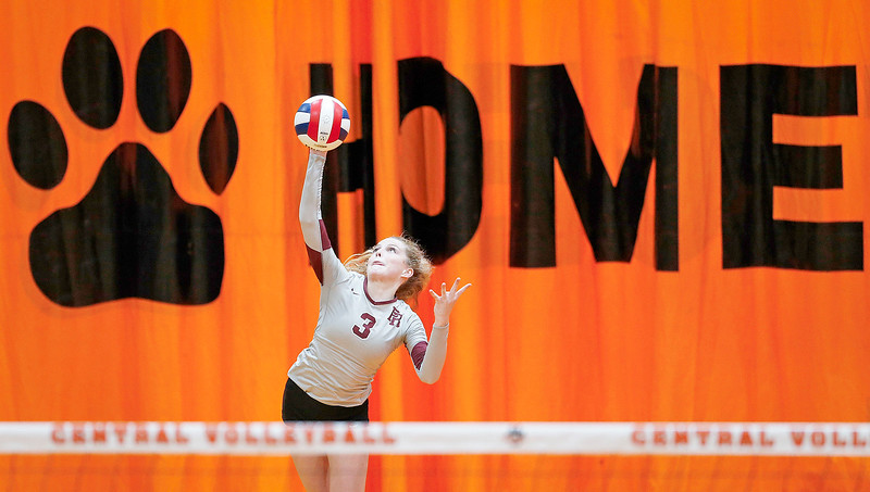 Hannah Baudin (3) from Prairie Ridge during their second game against Crystal Lake Central on Thursday, 9/14/17 in Crystal Lake, Illinois. The Tigers won the match in 2 games; 25-22, 25-17. John Konstantaras photo for Shaw Media