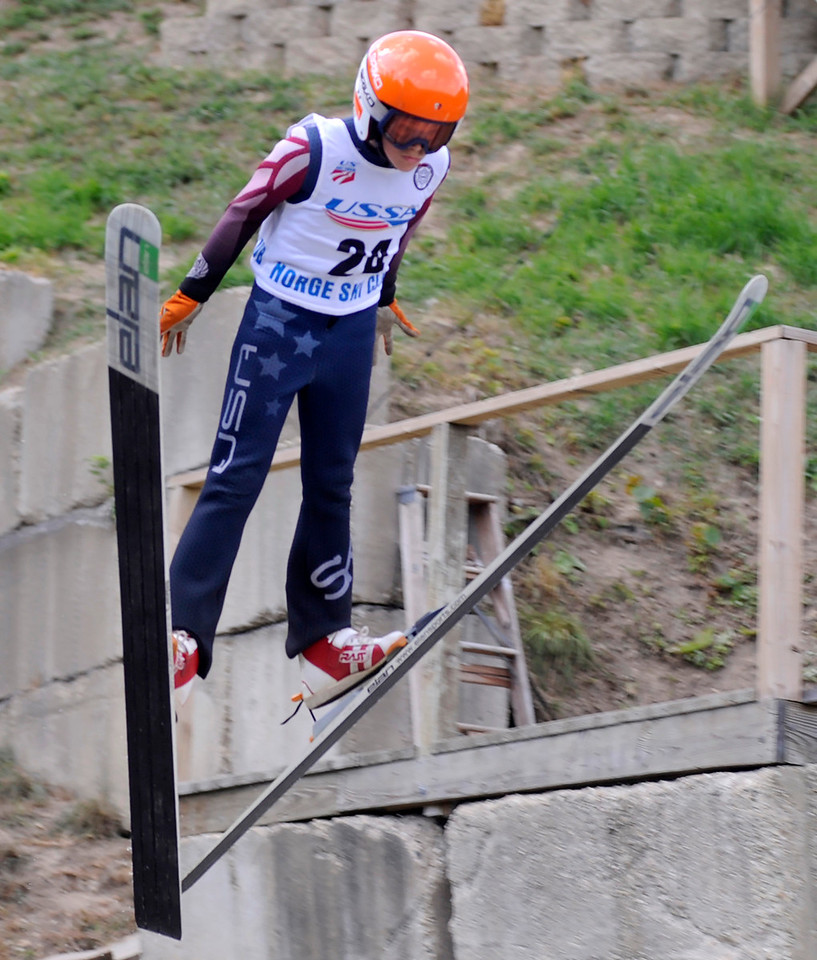 hnews_mon926_fall_ski_jump