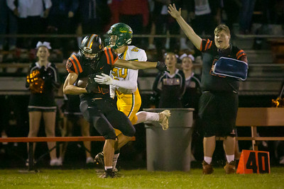 hspts_0913_Fball_CLC_CLS_bartesch, connor.JPG