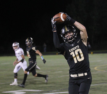 Candace H. Johnson-For Shaw Media Grayslake North's Joe Swanson makes the catch against Antioch in the second quarter at Grayslake North High School. Antioch won 38-0. (9/13/19)