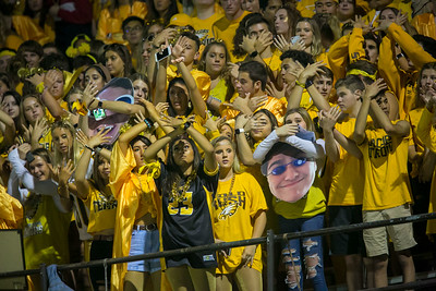 hspts_0920_Fball_MCH_JAC_jacobsstudents.JPG