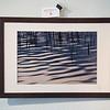 Changing Circumstances 1, cluster 24/1 <br /> Papierdruck Epson Coldpress Bright 45x30<br /> Foto Ralph de Rozario ©2018<br /> inklusive Holzrahmen 60x40 mit sichtbarer Maserung, Nussbaum<br /> <br /> Deutlich texturiertes säurefreies Druckmedium auf 100% Baumwollbasis für den optimalen Kunst- oder Portraitdruck mit einer fast reinweissen Oberfläche. Dieses Papier nutzt die modernsten Inkjetbeschichtungen, die besonders großen Farbraum und hohe Dichten erreichen.