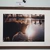 Retrospektive reflektiv, cluster 28/1 <br /> Papierdruck Hahnemühle Photorag 45x30<br /> Foto Ralph de Rozario ©2017<br /> inklusive Holzrahmen 60x40 mit sichtbarer Maserung, Nussbaum<br /> <br /> Deutlich texturiertes säurefreies Druckmedium auf 100% Baumwollbasis für den optimalen Kunst- oder Portraitdruck mit einer fast reinweissen Oberfläche. Dieses Papier nutzt die modernsten Inkjetbeschichtungen, die besonders großen Farbraum und hohe Dichten erreichen.