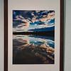 Waveform 1, cluster 27/1 <br /> Papierdruck Epson Coldpress Bright 32x40<br /> Foto Ralph de Rozario ©2019<br /> inklusive Holzrahmen 60x40 mit sichtbarer Maserung, Nussbaum<br /> <br /> Deutlich texturiertes säurefreies Druckmedium auf 100% Baumwollbasis für den optimalen Kunst- oder Portraitdruck mit einer fast reinweissen Oberfläche. Dieses Papier nutzt die modernsten Inkjetbeschichtungen, die besonders großen Farbraum und hohe Dichten erreichen.
