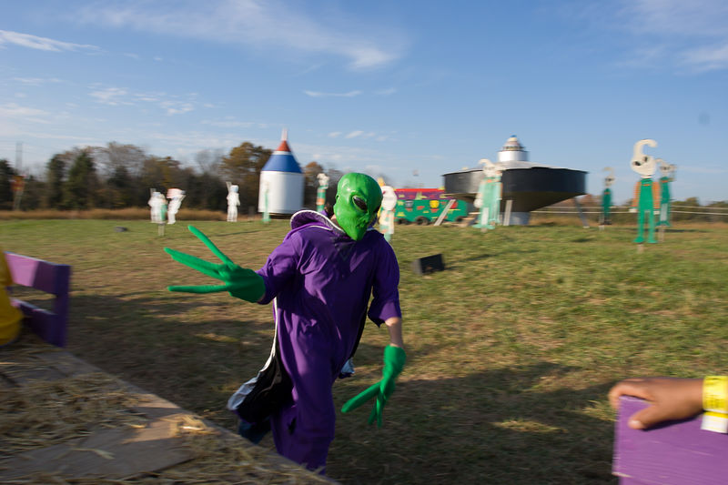 aliens plus hay-ride equals good times!
