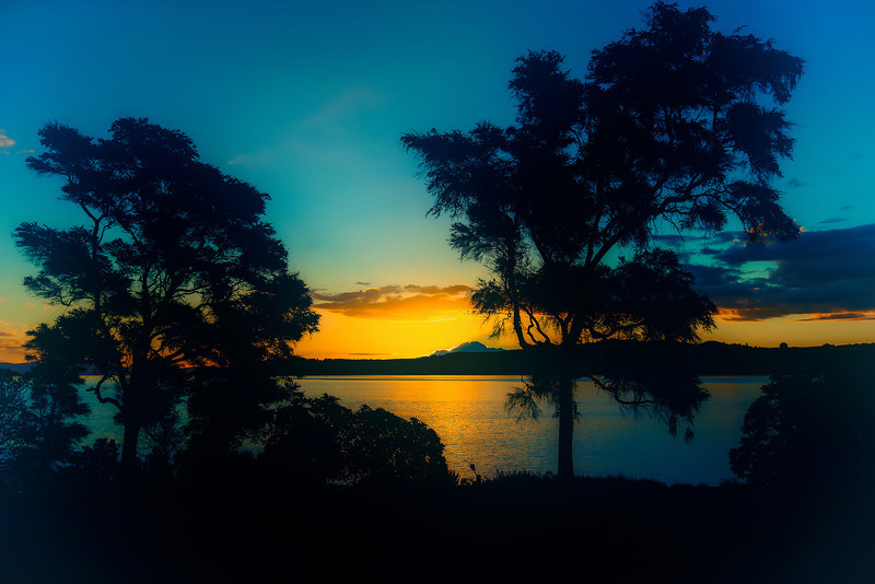 Lake Taupo. Sunset from 90'ies. Most of sunset pic back then look like this.