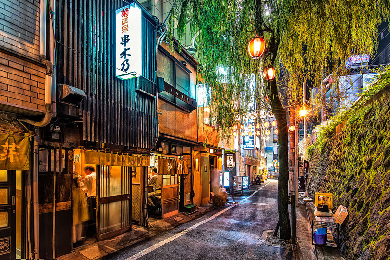 Cosy corner in busy Tokyo. Street with bars only for 4...
