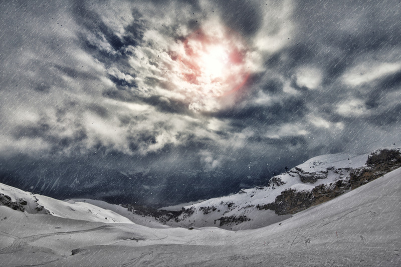 0 visual and Sun Ray in Alps.