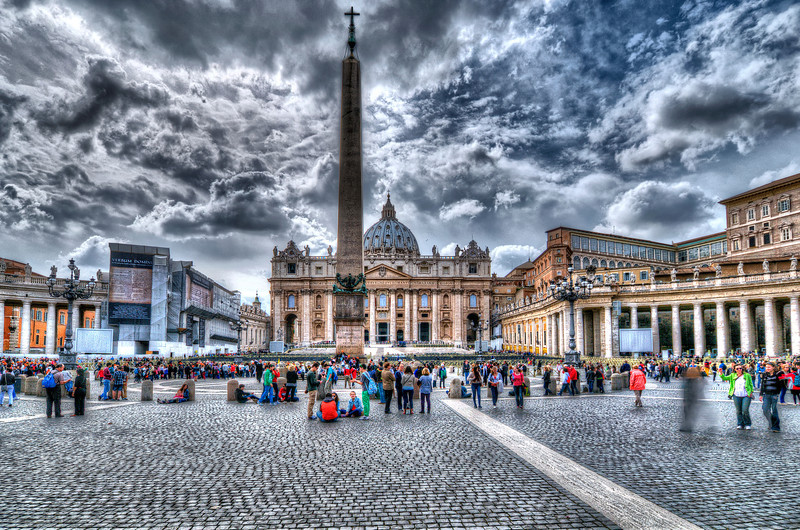 Vatican city. No Pope in Pope's balcony, but crowds keeps hang in around. Every day.