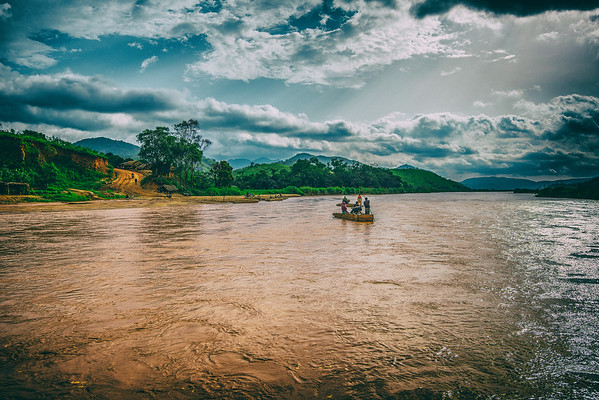 Crossing Nigerian river