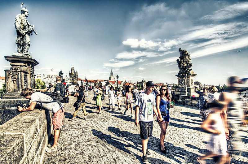 Extraordinary city, regular people, HDR killed by Sun