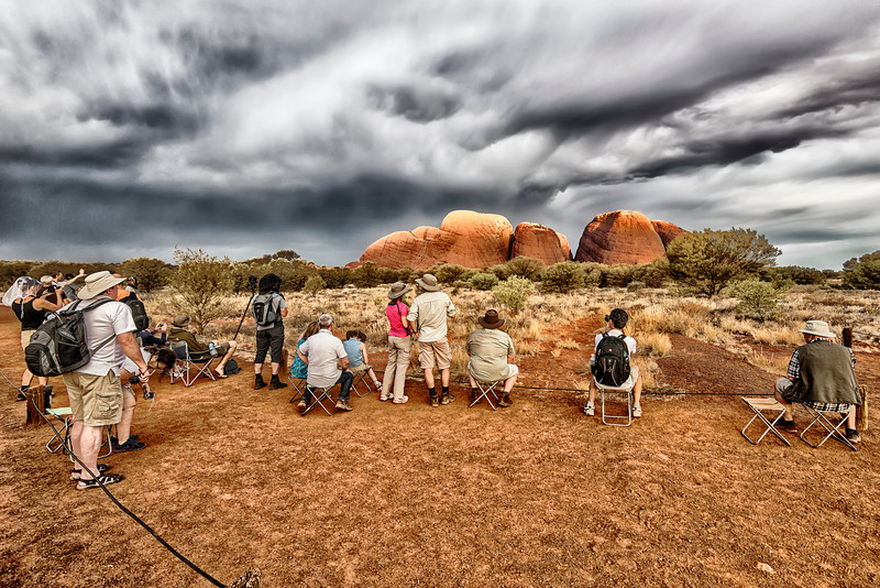 Every Sunset thousands of tourist go to Kata Tjuta or Uluru jus't to take a picture of Sunset. They are waiting for something special...