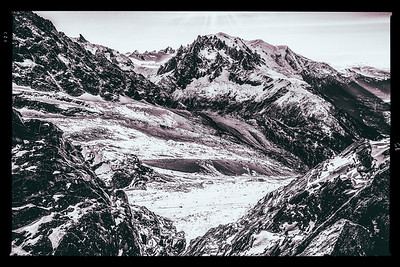 Jaws. French Alps.
