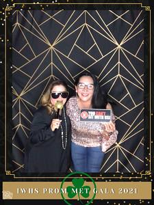 IWHS_Prom_Met_Gala_2021_photo_45