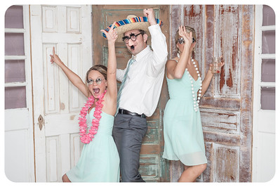 Lauren+Ben-Wedding-Photobooth-32