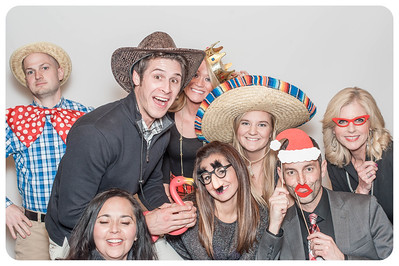 WDTN-CW-Holiday-photobooth-15