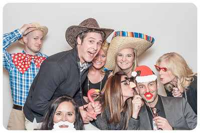 WDTN-CW-Holiday-photobooth-17