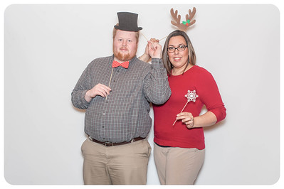 WDTN-CW-Holiday-photobooth-12