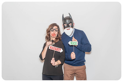 WDTN-CW-Holiday-photobooth-10